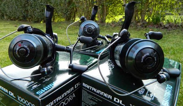 Shimano DL Reels on boxes